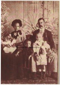 Frederik Alexander Hollander met vrouw en kinderen, Curaçao  1908