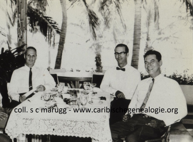 vlnr Dr. H.P.A. van Schouwen (1918-1987), Ch.L.H. Marugg (1919-1994) en H.A. Wever (1909-1979). Aruba ca. 1965
