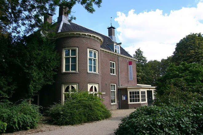 Huis Oog in Al te Utrecht, buitenplaats van de familie Delbeek tot 1869, bron: http://www.utrechtsebuitenplaatsen.nl/buitenplaats/oog-in-al, foto: Utrecht, Park Oog in Al 1, 18294 (Wesselspoelder76 - Wikimedia Commons/CC-BY-SA)