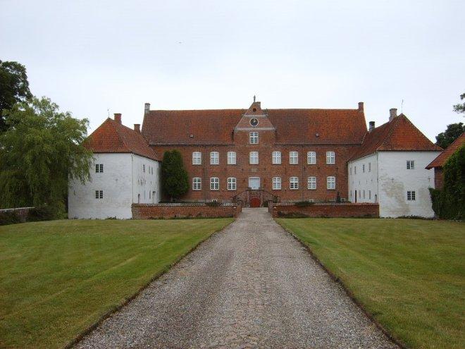 Slot Sparresholm te Holmegaard, Denemarken, eigendom van Ter Borchs schoonvader Heinrich (foto Benny Hansen Haslev)